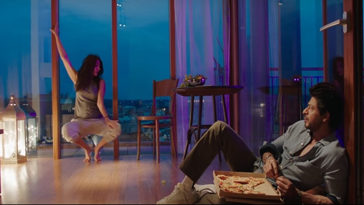 'Jab Harry Met Sejal' Phurr song: Anushka's moves with SRK, Diplo's electric music will make you groove
