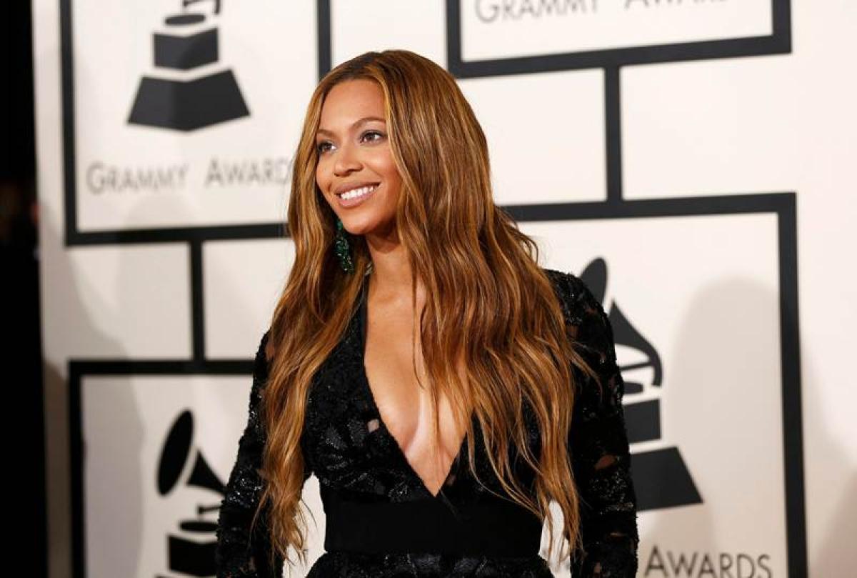 Beyonce may sing James Bond theme song