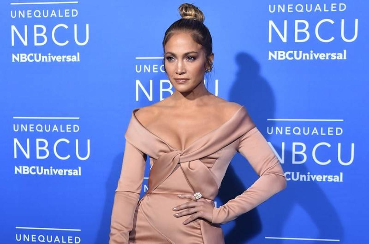 Men much more fragile and sensitive than women: Jennifer Lopez