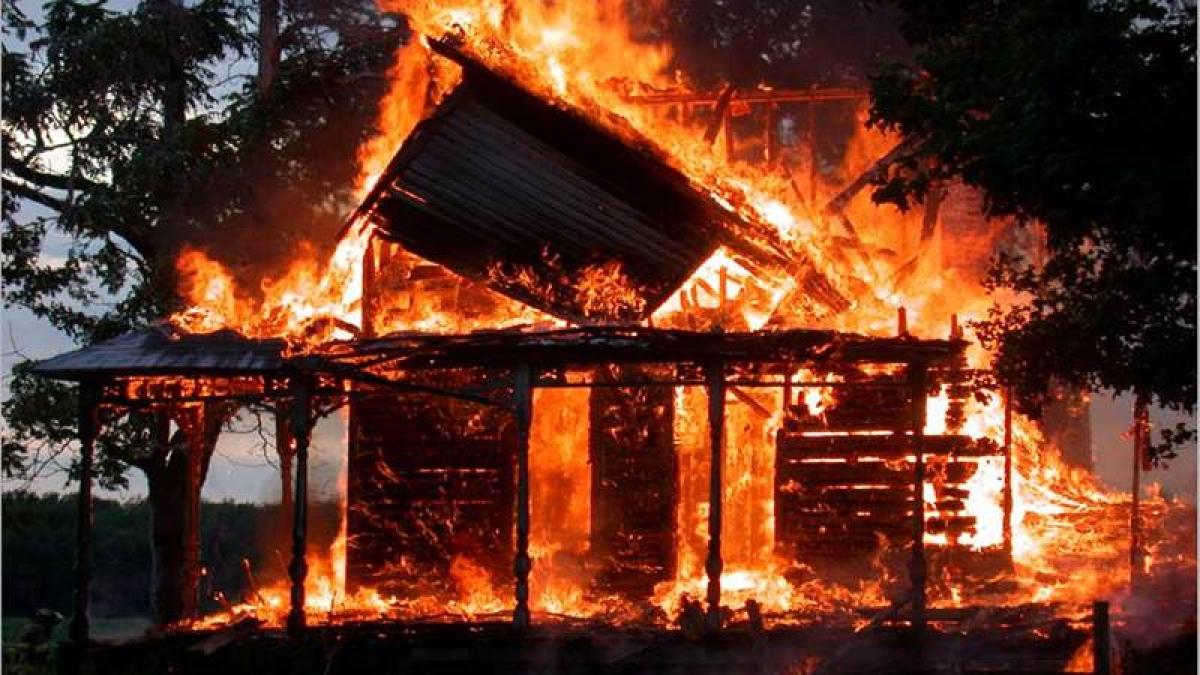 Fire breaks out in Delhi market, no casualties