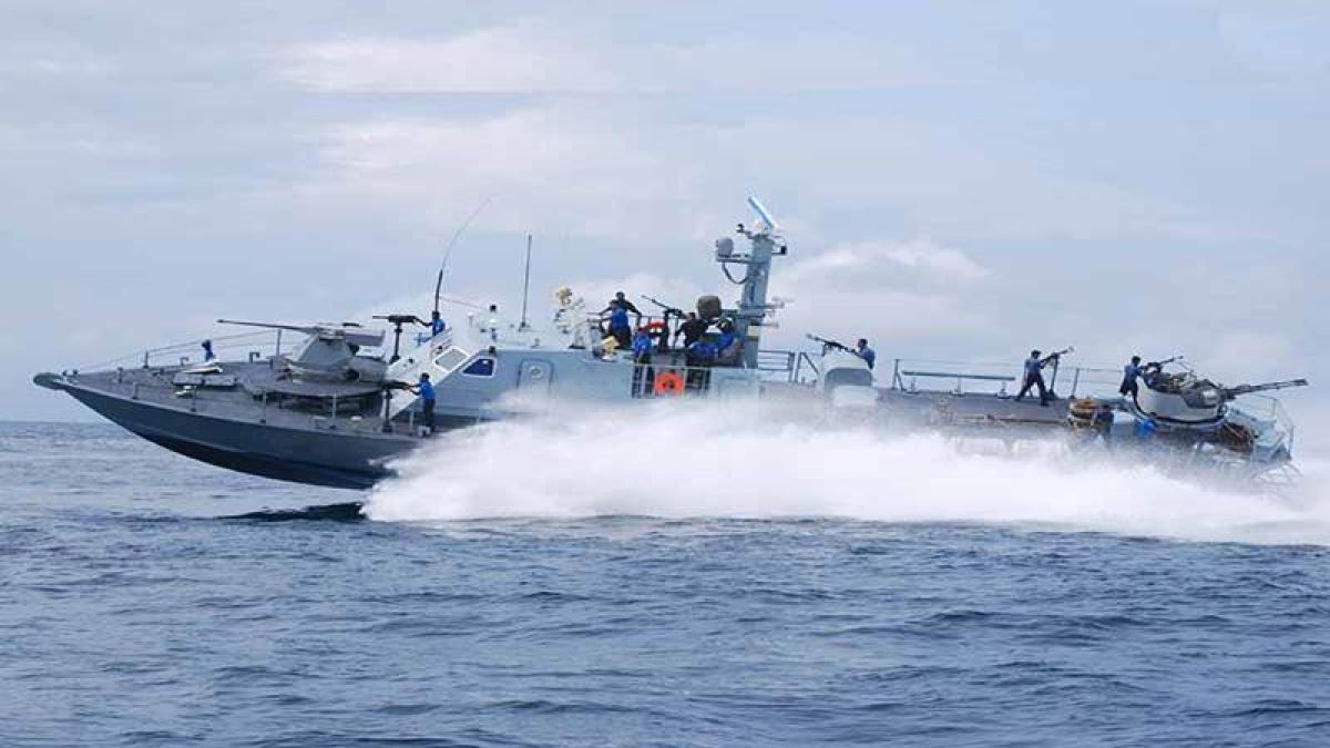 Sri Lankan Navy apprehends four Tamil Nadu fishermen; taken for probe