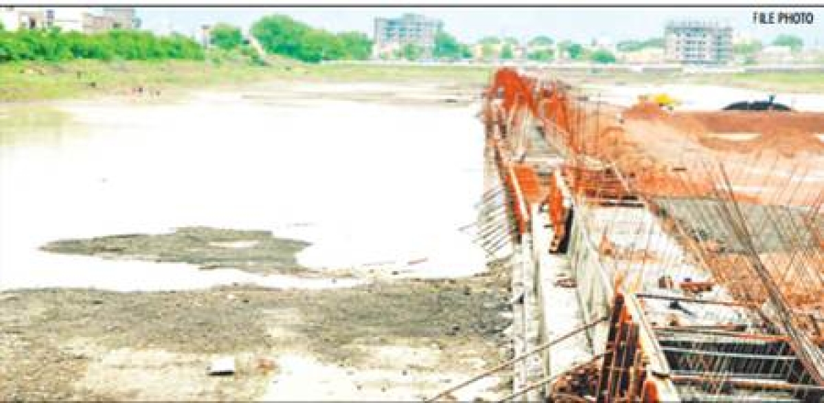 Indore: Heaps of stranded building material wreaking havoc on eco-system