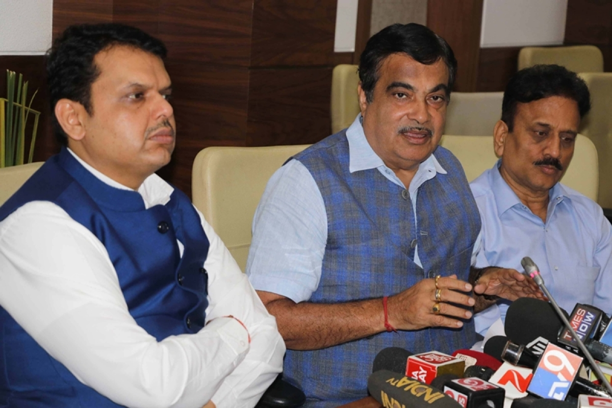 Centre assures funds for pending irrigation projects in Maharashtra