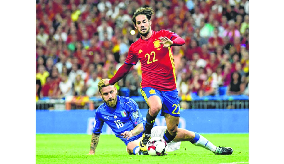 Isco sparks Spain rout of Italy to close on World Cup