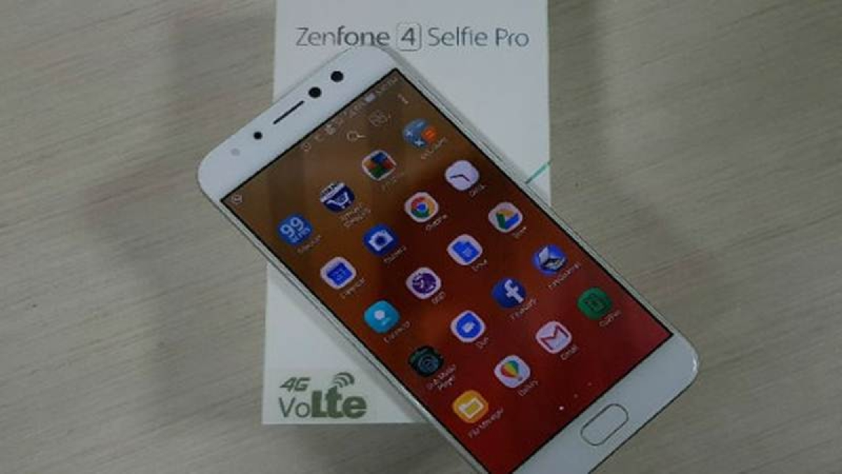 ASUS Zenfone 4 Selfie Pro: Takes selfie camera war to new level