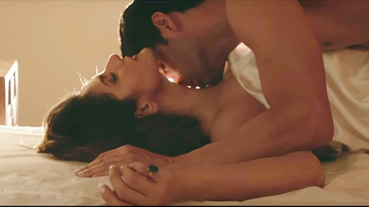 'Aksar 2' song 'Aaj Zid': Gautam Rode and Zareen Khan's steamy hot scene sets the screen on fire