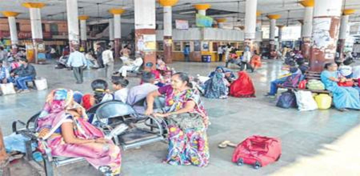 Indore: Bus drivers strike stalls journey of 20,000+ commuters