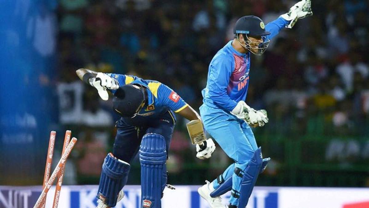 India vs Sri Lanka T20I: Lighting MS Dhoni stumps Mathews. Watch Video