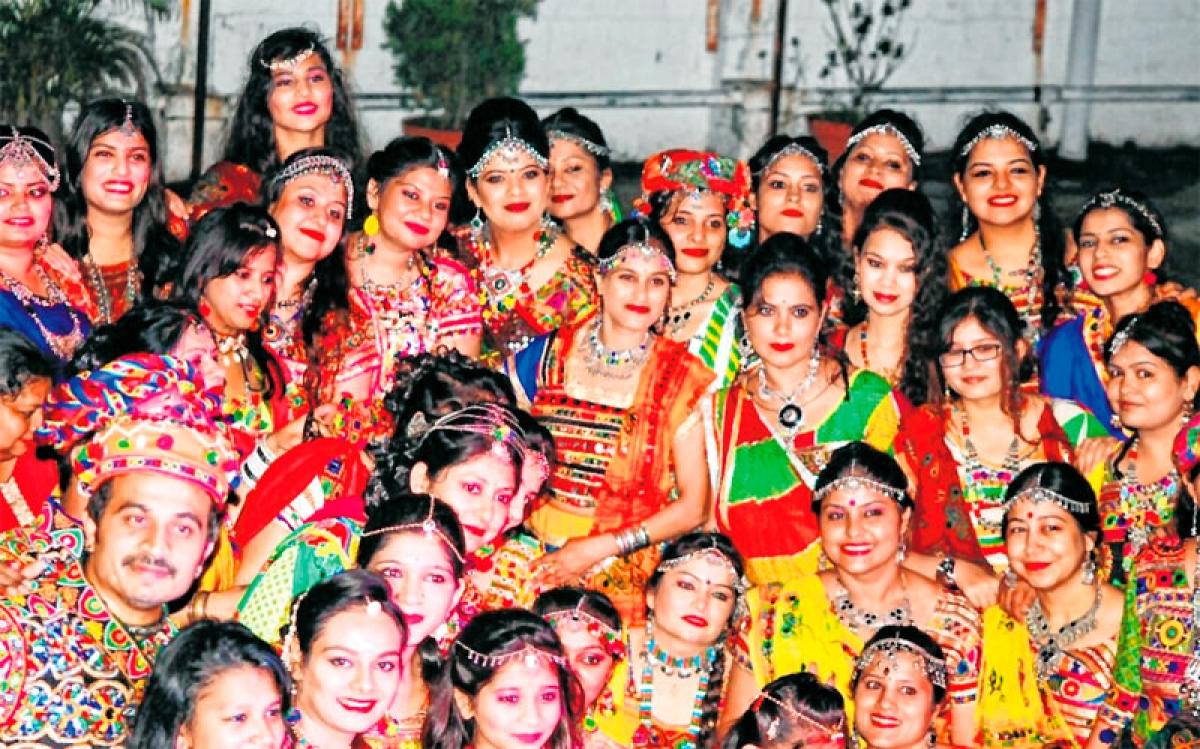 Mumbai: Institutes step in to help dandiya enthusiasts brush up their skills