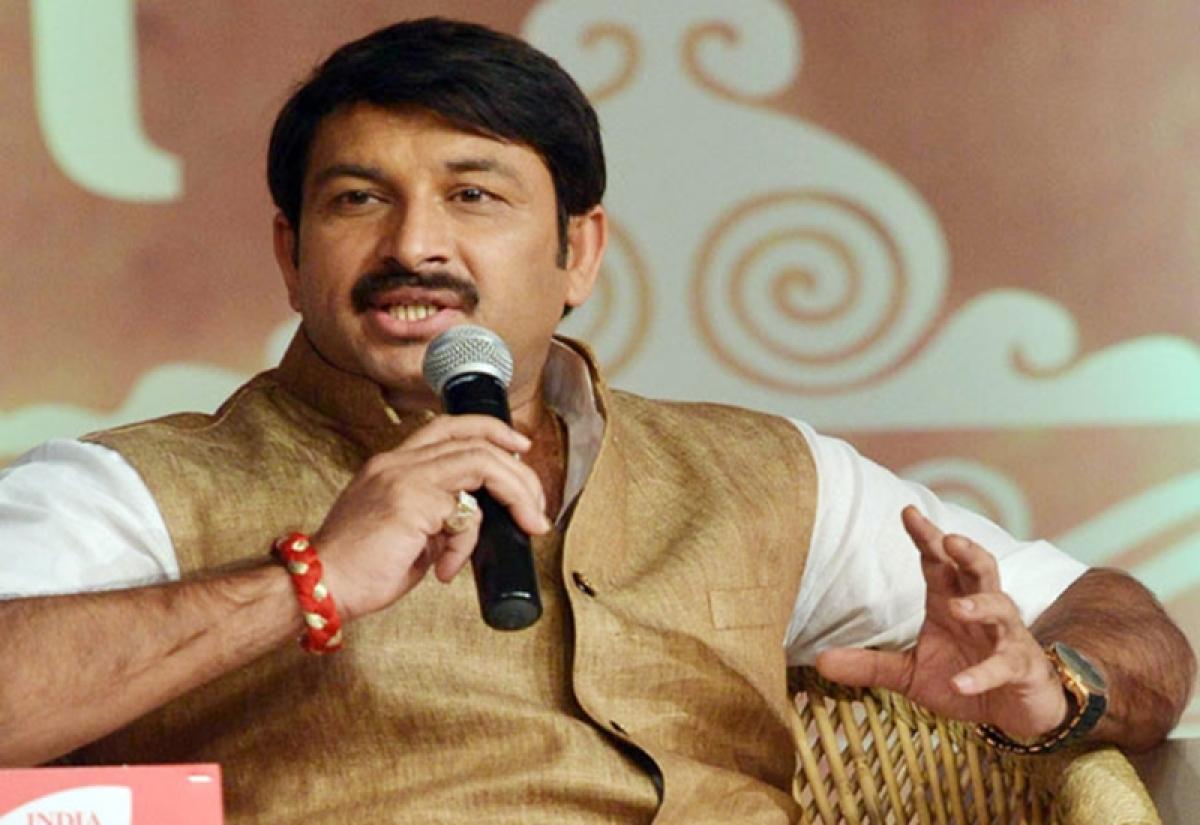 AAP lodges complaint against Manoj Tiwari, Harsh Khurana over false statements regarding attack on Arvind Kejriwal