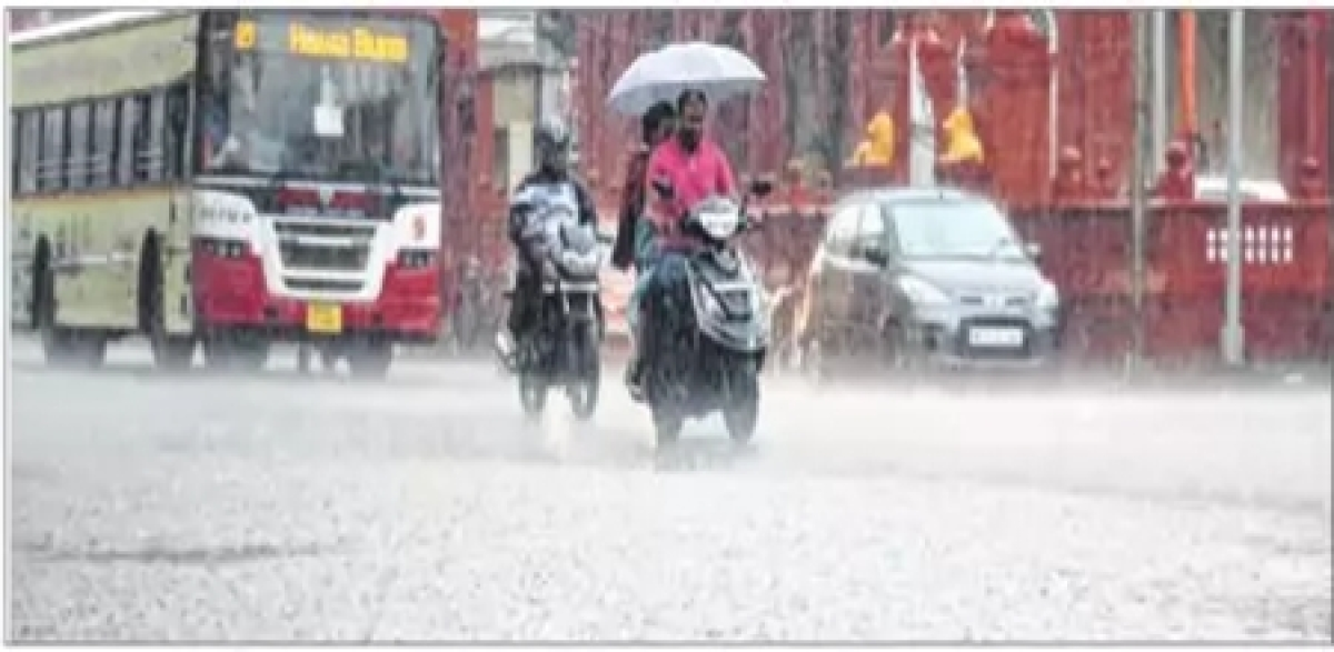 Indore: Rain brings down temp by 7°C but spells pain for commuters