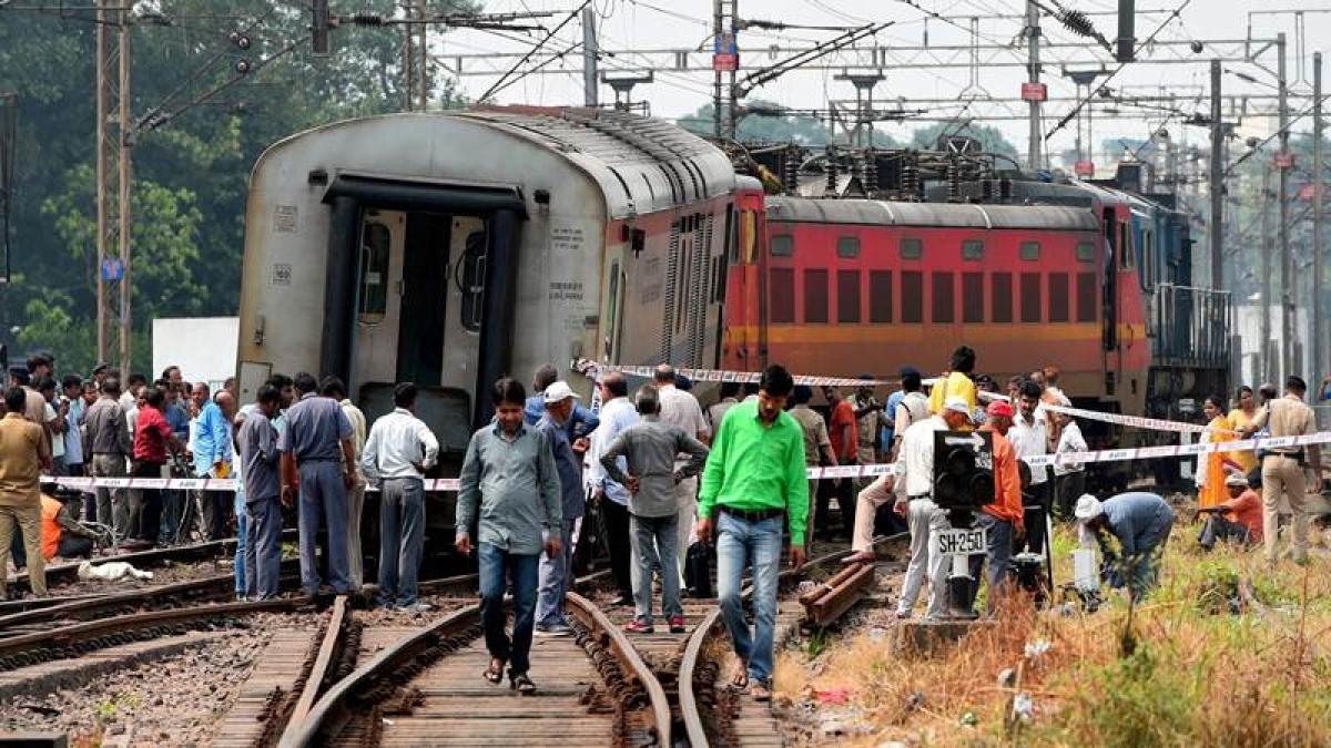 Two coaches of Rajdhani Express derail near Minto Bridge in Delhi, no injuries reported
