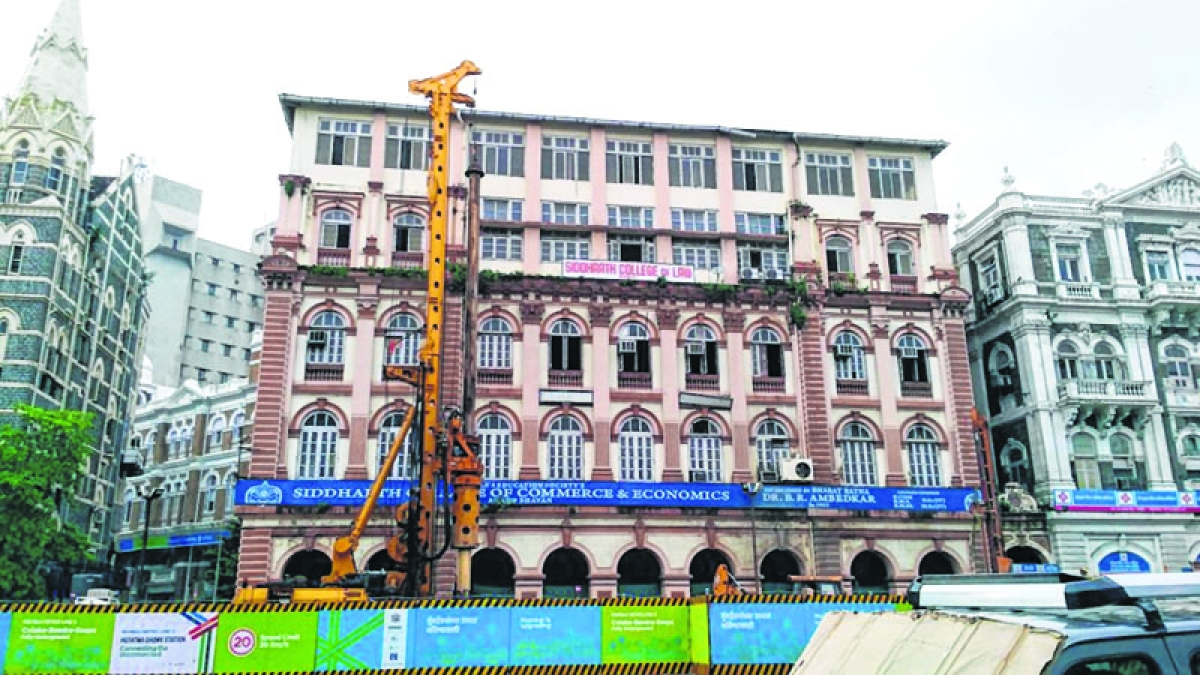 Mumbai: Metro 3 construction work increases traffic congestion