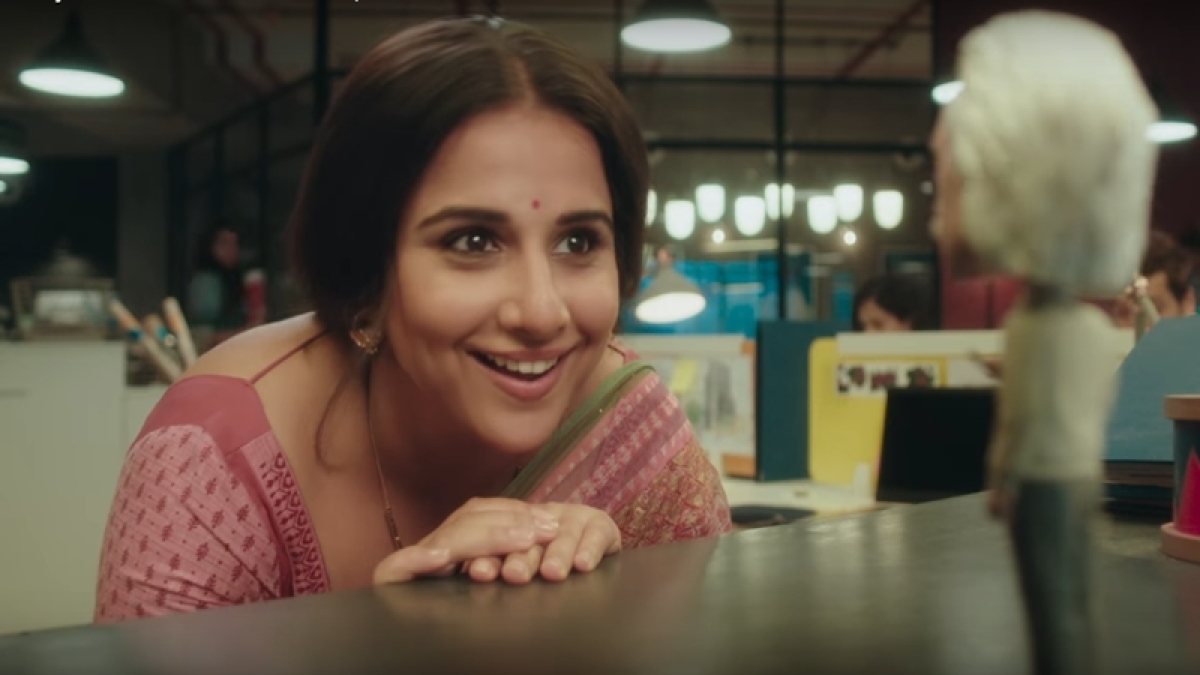 'Tumhari Sulu' teaser: Vidya Balan takes lessons to be sexy in a funny gesture