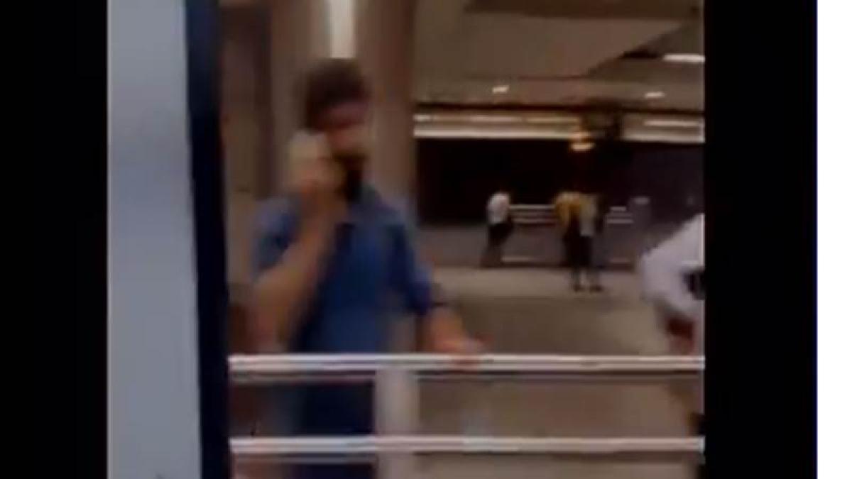 Delhi Metro briefly runs with a gate open