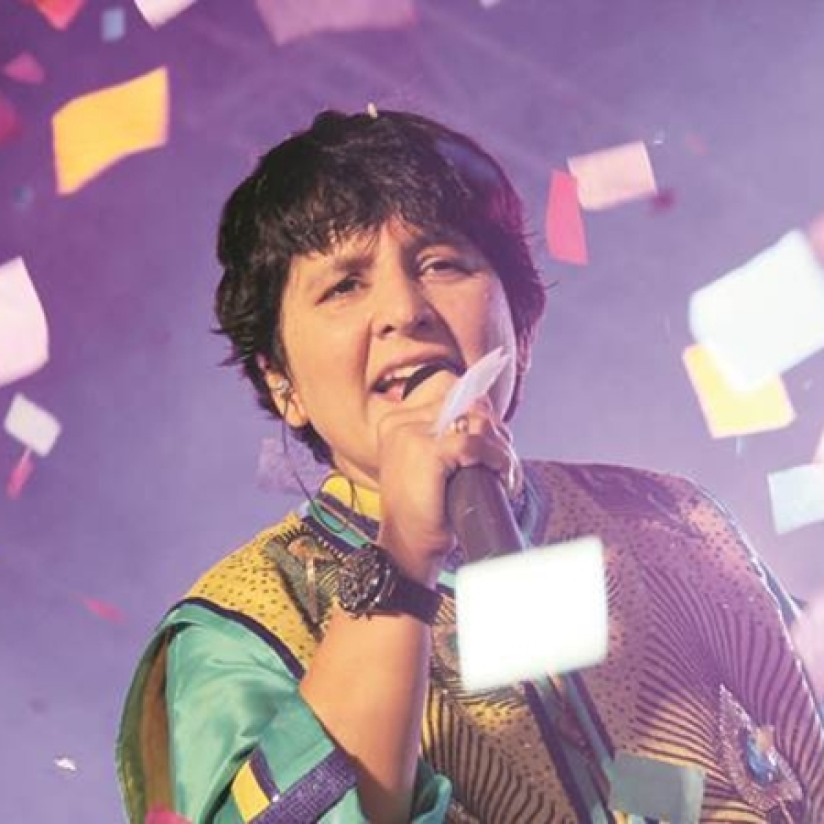 Falguni Pathak to donate show proceeds for flood relief