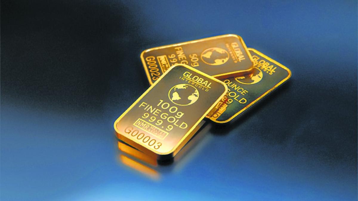 Gold remains up on wedding season buying