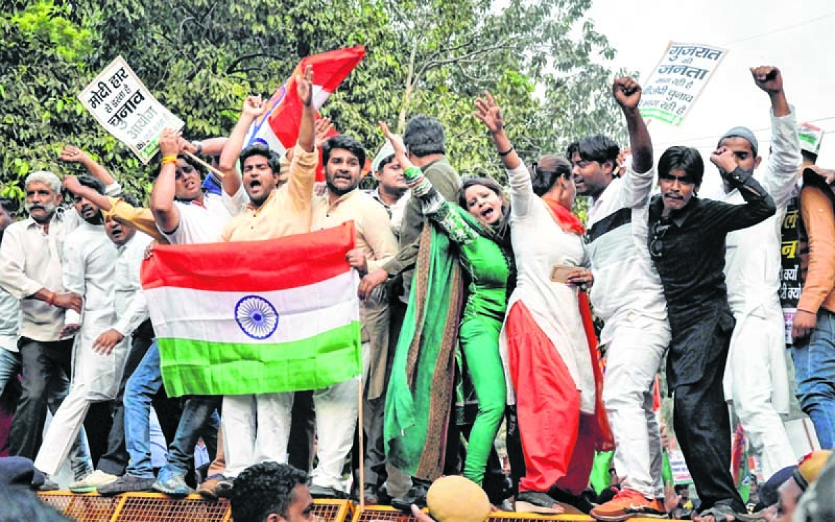 Congress protests against delay in Gujarat election date