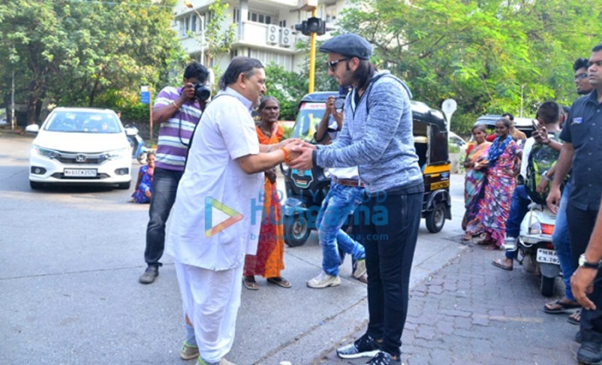 Check out: Ranveer Singh seeks blessings from a pandit