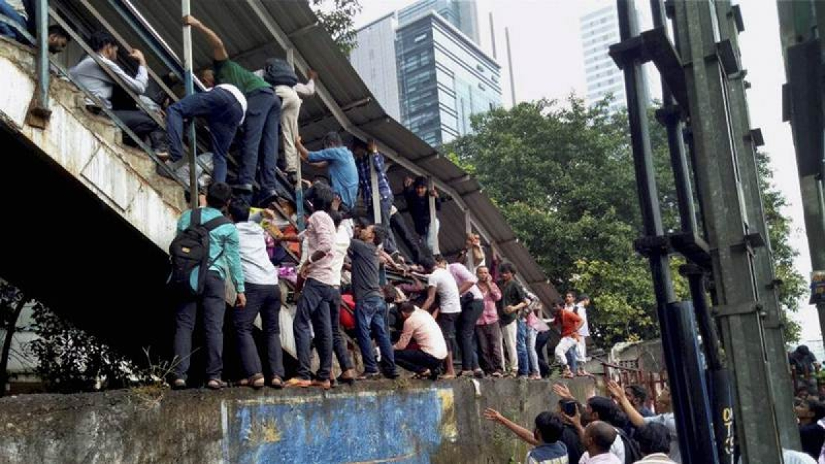 On This Day! September 29, 2017 – Stampede at Elphinstone Road railway station in Mumbai kills 23
