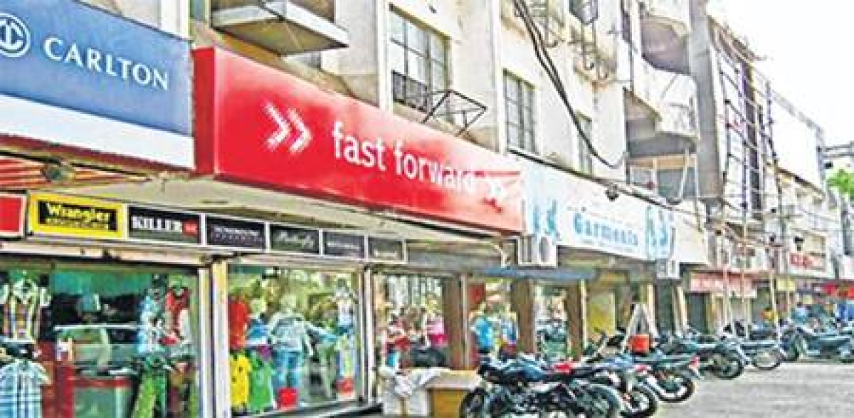 Bhopal: GST, DeMo blues: Cloth markets wear deserted look