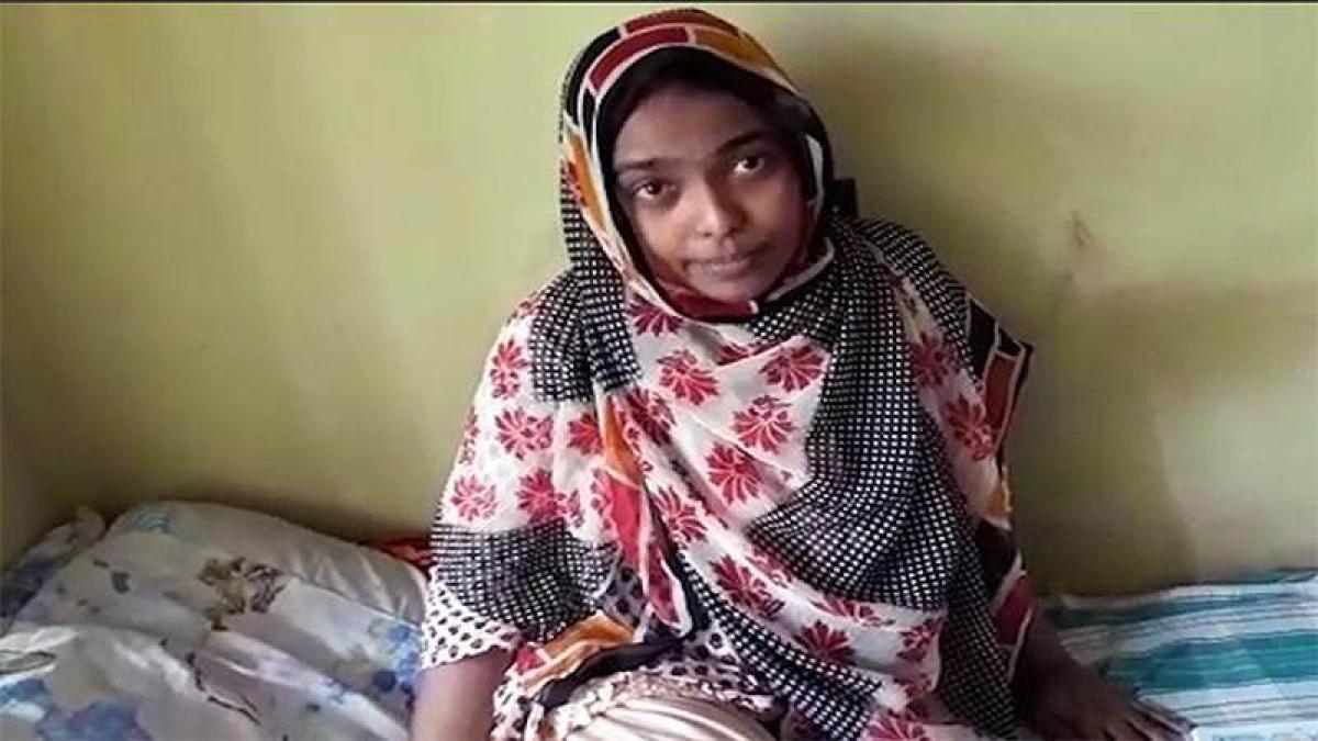 Kerala Love Jihad: NCW chief meet Hadiya says she is safe, secure with her parents