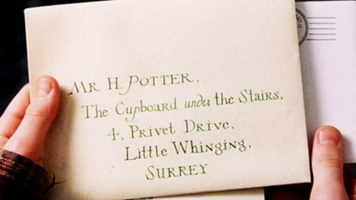 Harry Potter's Hogwarts letter sold for 30,000 pounds