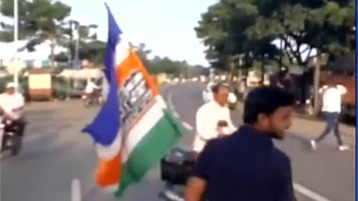 Watch: MNS activists beat up non-Maharashtrian workers in Sangli, 7 held