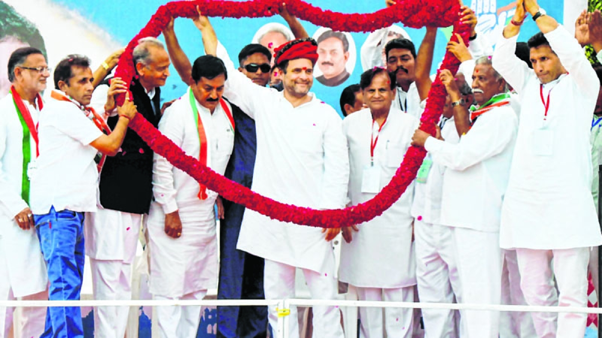 Rahul starts second leg of Guj tour, slams Modi, Shah