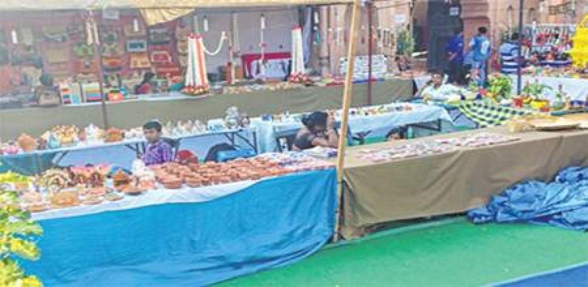 Bhopal: Sales at Gauhar Mahal fair dips by 20%