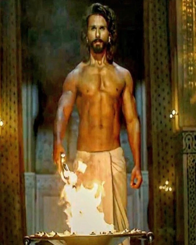 TROLLED! Shahid Kapoor gets mocked for his shirtless look in 'Padmavati'