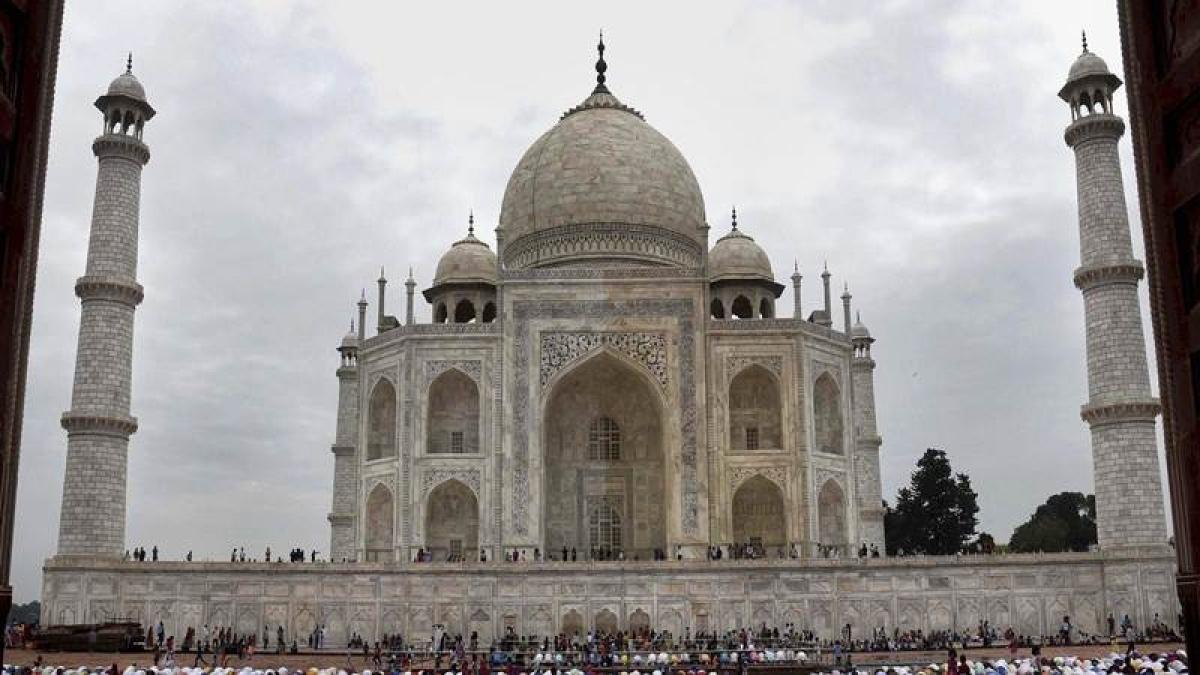 Supreme Court seeks suggestions to preserve Taj Mahal
