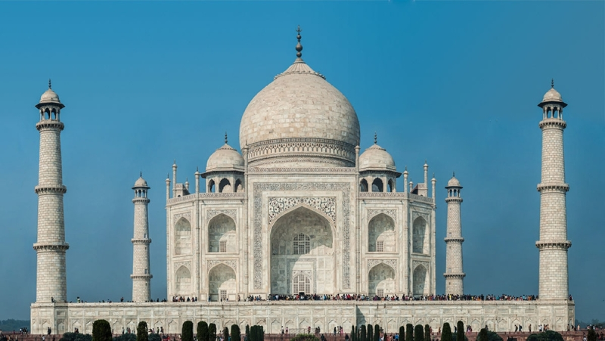 Supreme Court to hear plea on demolition of parking lot around Taj Mahal today
