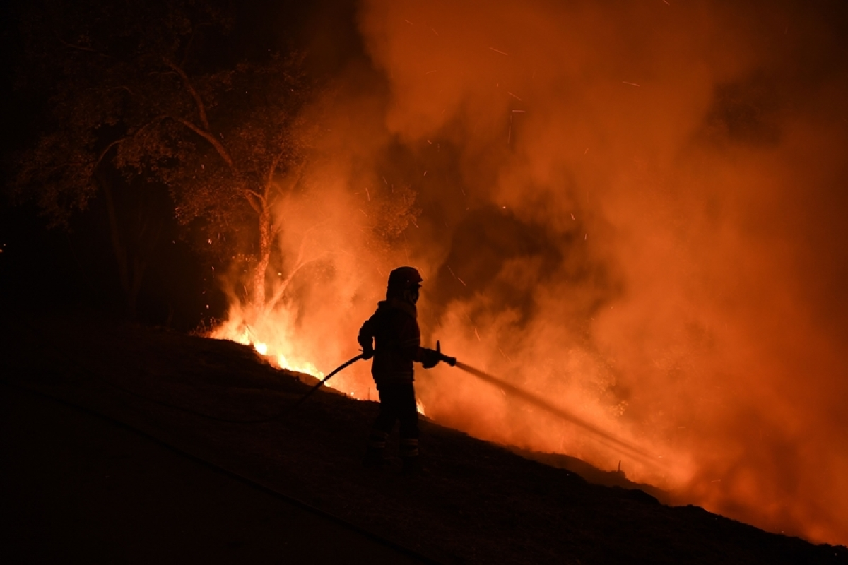 14 days on, California wildfire rages