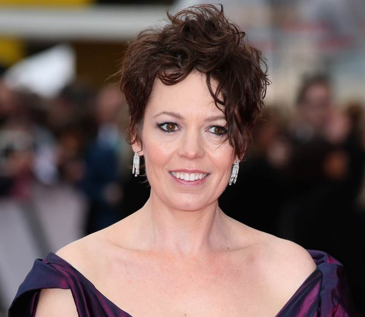 Olivia Colman is the new Queen