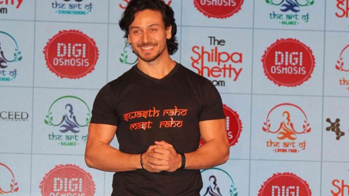 Tiger Shroff, Sooraj Pancholi to play cricket for cancer awareness