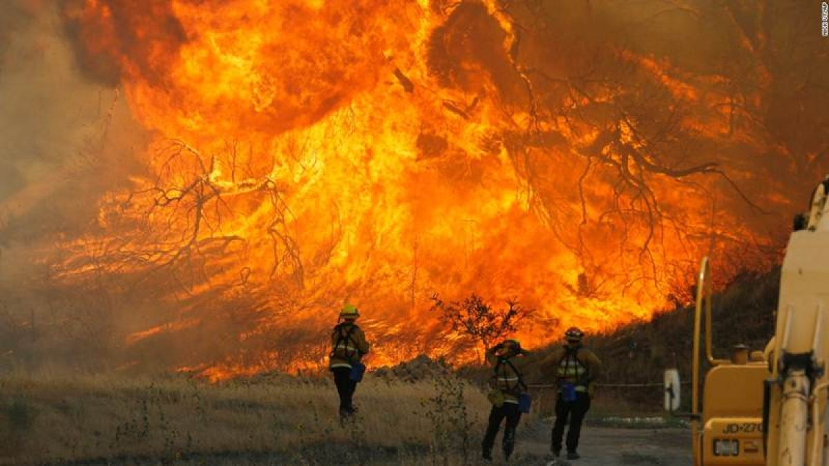 Death toll from California wildfire rises to 40