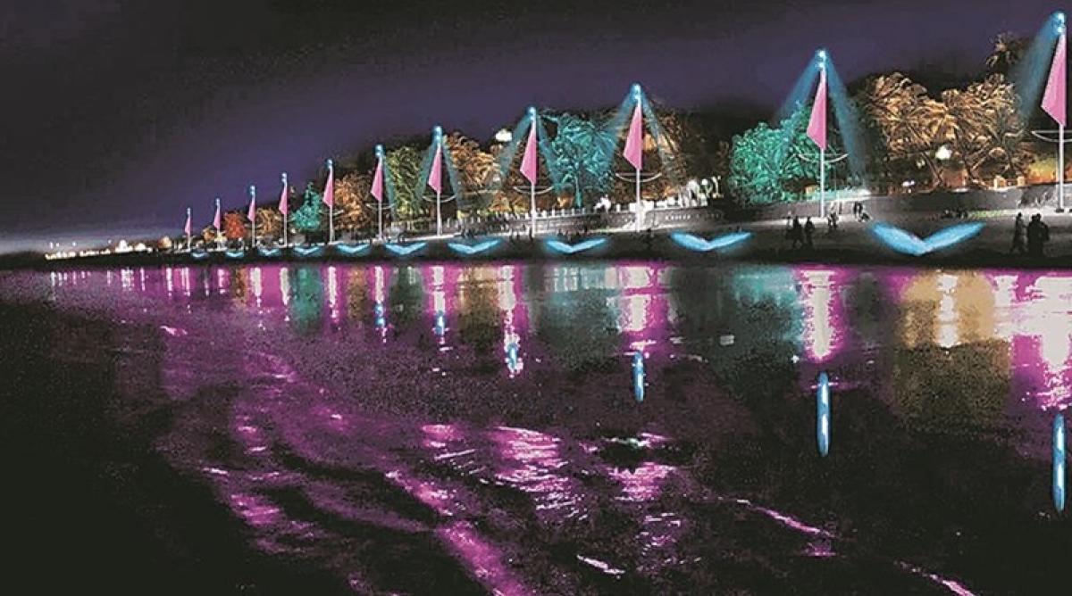 Mumbai: Activist raises voice against light pollution at Juhu Beach