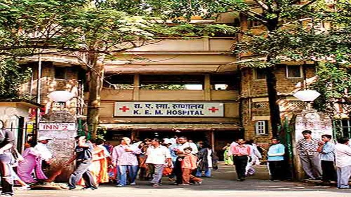 Mumbai: KEM paramedics go on flash strike as patient's kin attack ward boy
