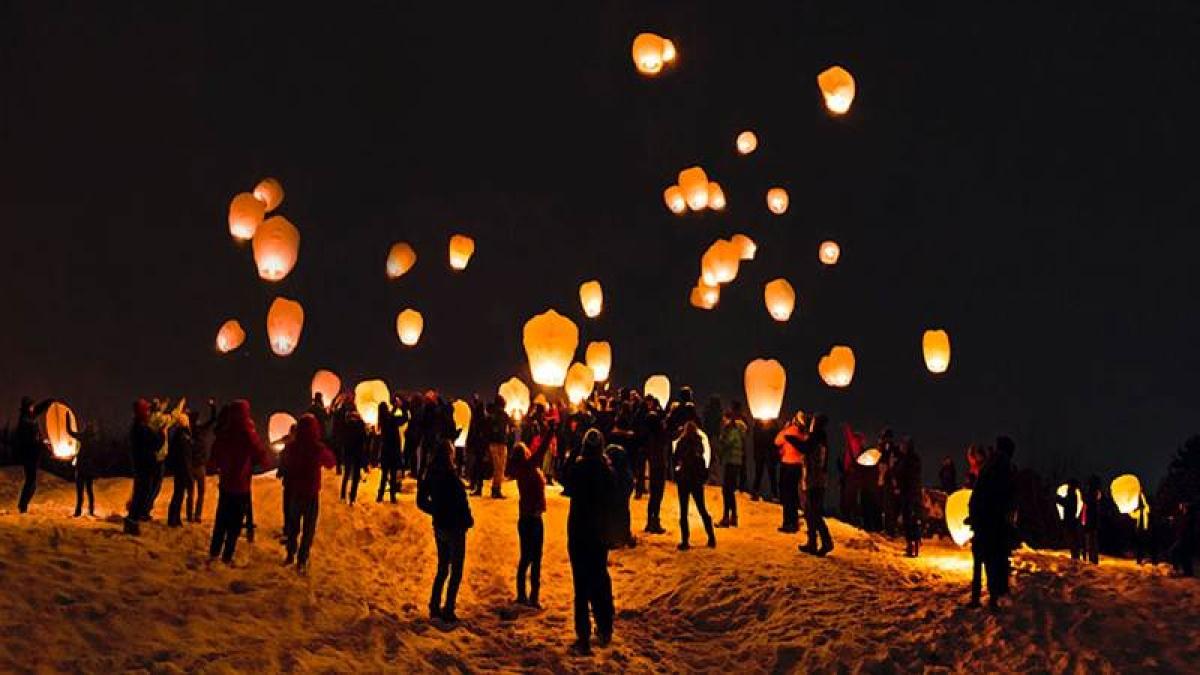 Flying lanterns banned in Mumbai during Diwali