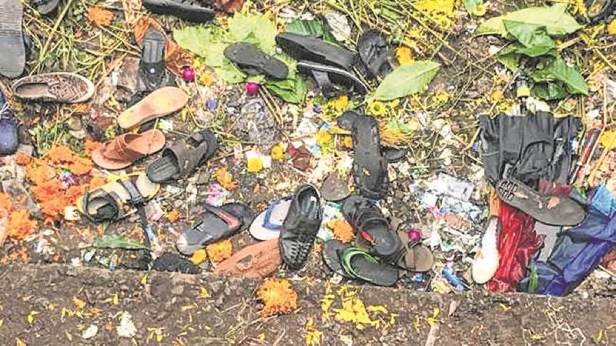 Mumbai Stampede: KEM counsels survivors of tragedy