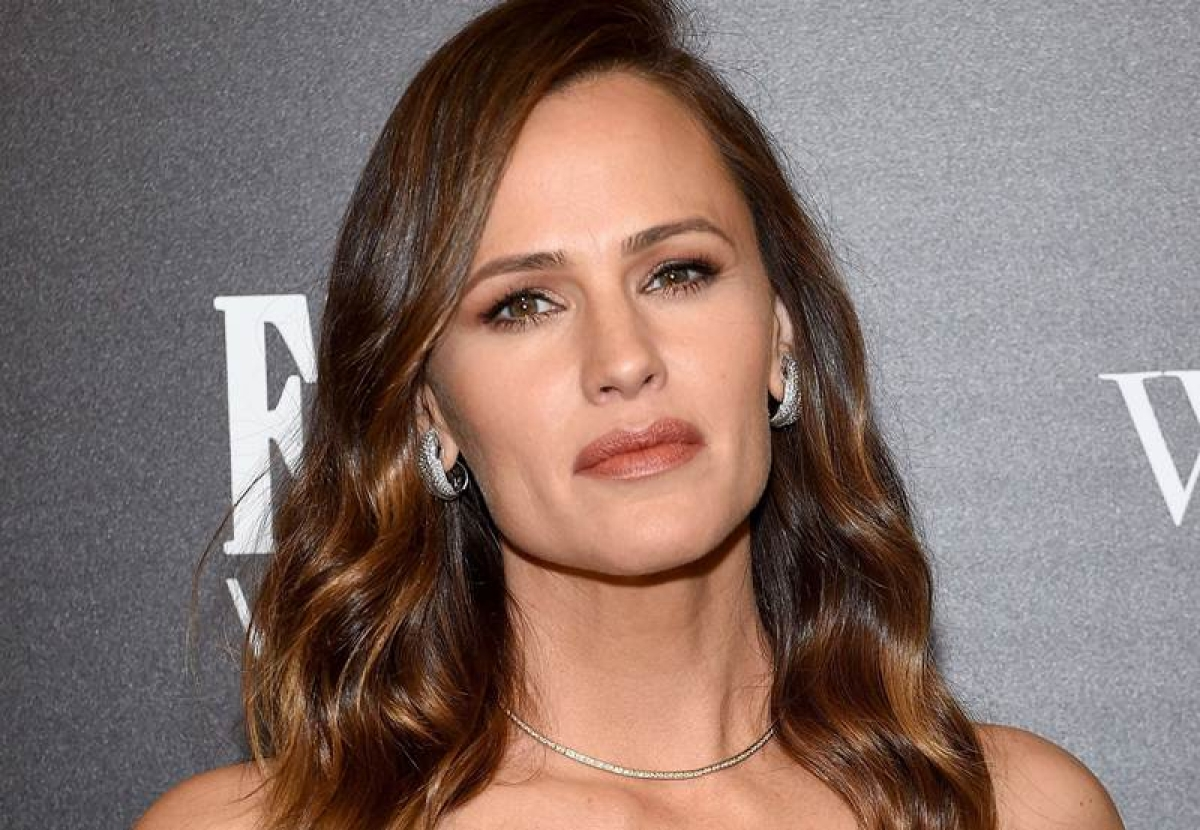 Jennifer Garner is not interested in dating