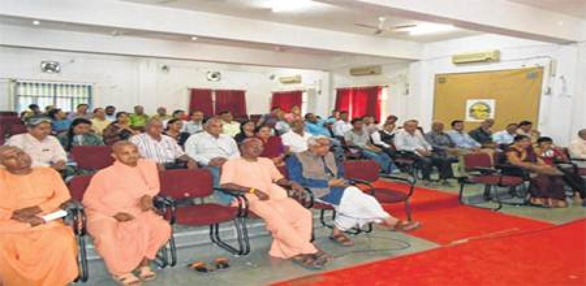 Ujjain: 52 successful participants of Sanskrit course given certificates