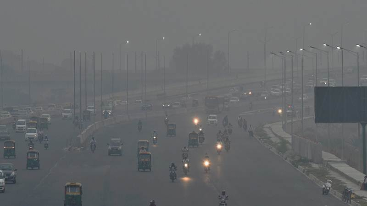 Delhi's air quality turns 'severe' with rising smog