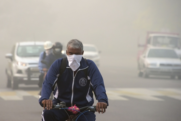 Dense smog continues in Delhi for fourth day, leaving people gasping for breath