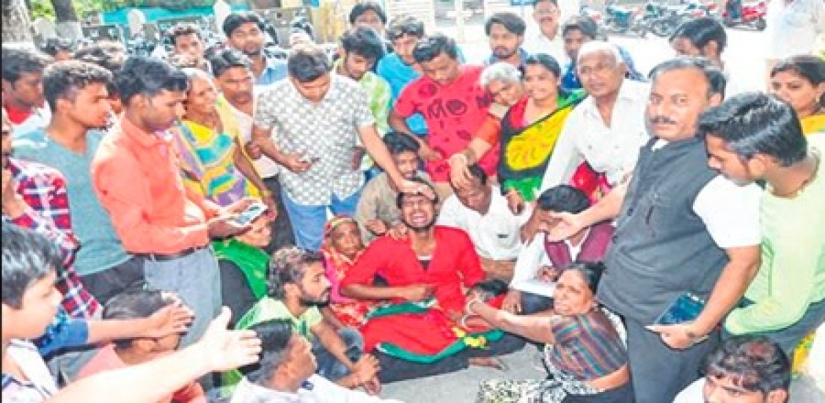Ujjain: Inhumane face of police surfaces yet again