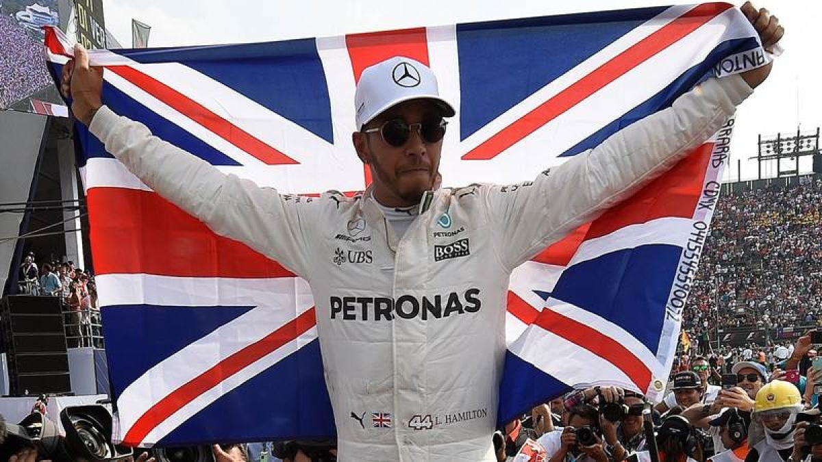 Abu Dhabi GP: Lewis Hamilton on pole with record lap as Mercedes dominate