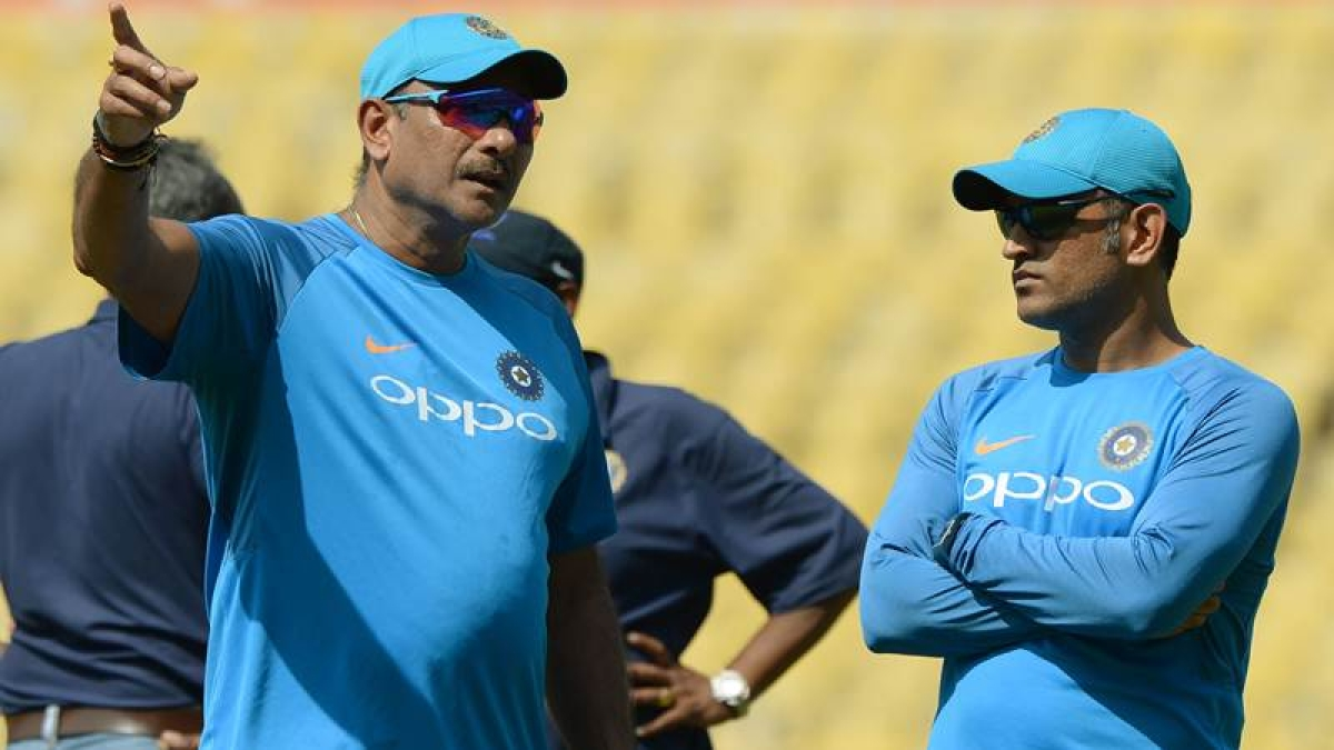 India vs Sri Lanka 2017: Ravi Shastri slams MS Dhoni's critics, says look at your career first