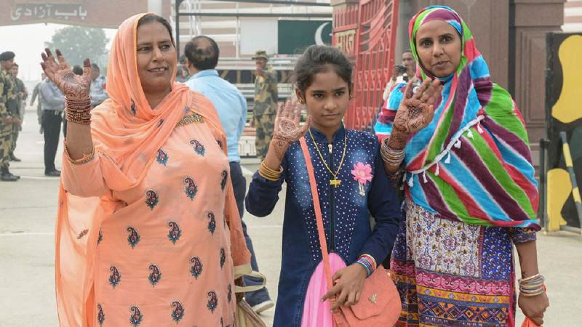 After 11 years, Pakistani sisters, Fatima and Mumtaz released from Amritsar jail, return home