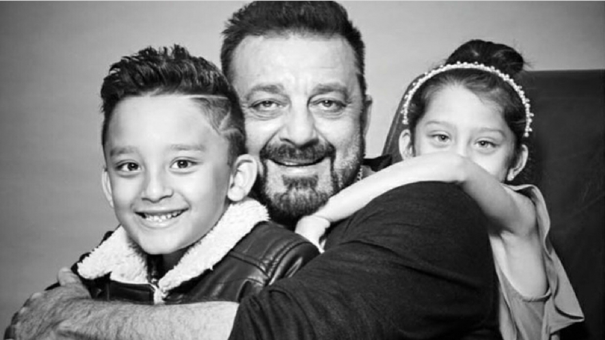 Children's Day 2017: Sanjay Dutt shares his adorable 'papa' moment with twins Shahraan and Iqra, see photos